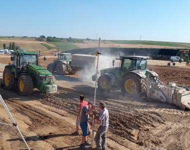Traitement de sol sur la plate forme des silos d'une unité de méthanisation.